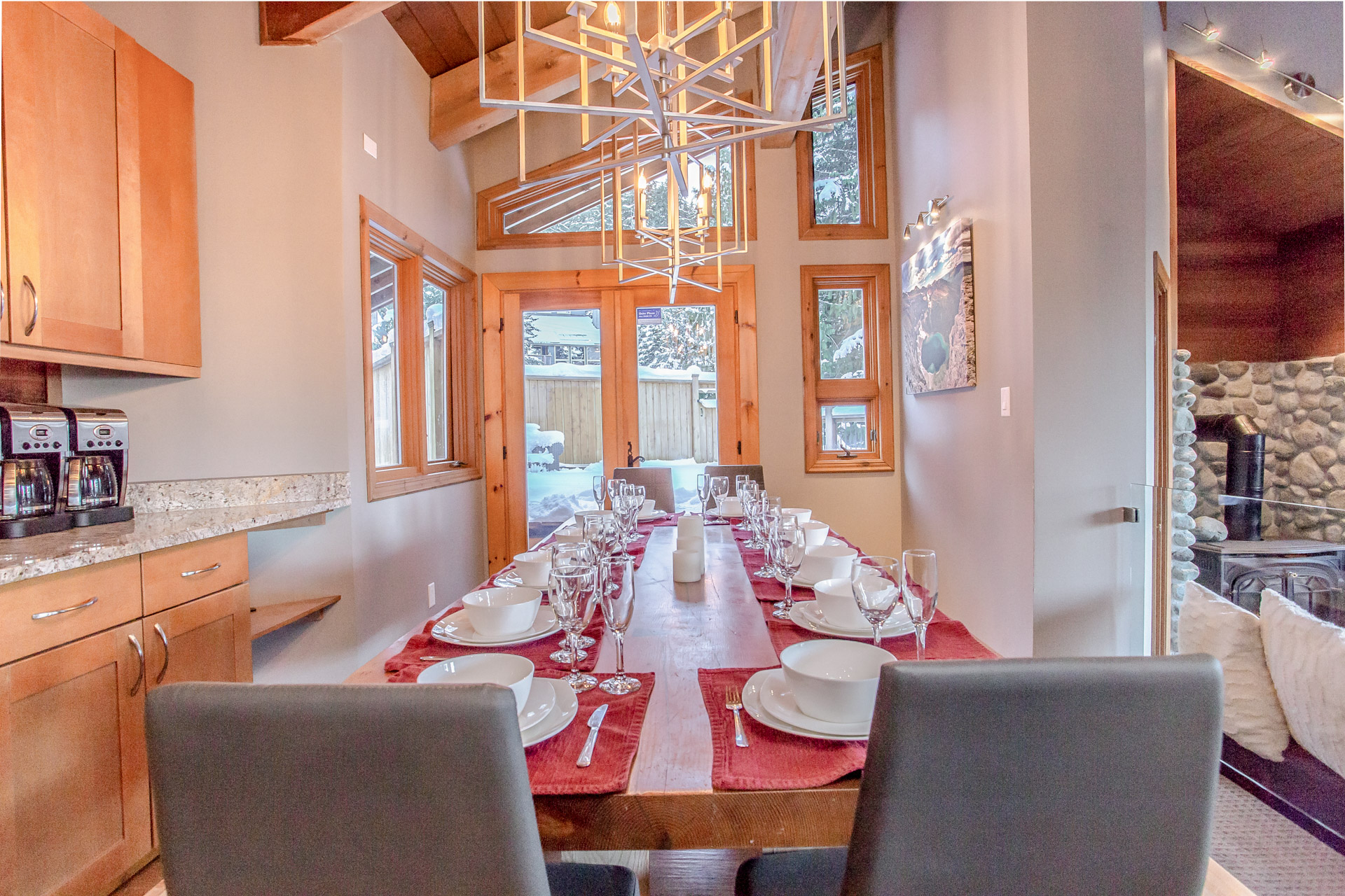 Aurora Lodge - Dining Table