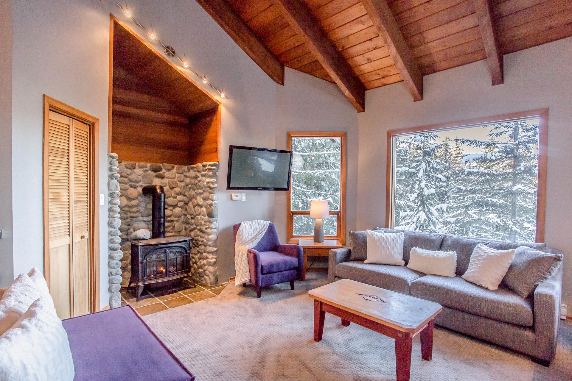 Copy of Aurora Lodge - Living Room