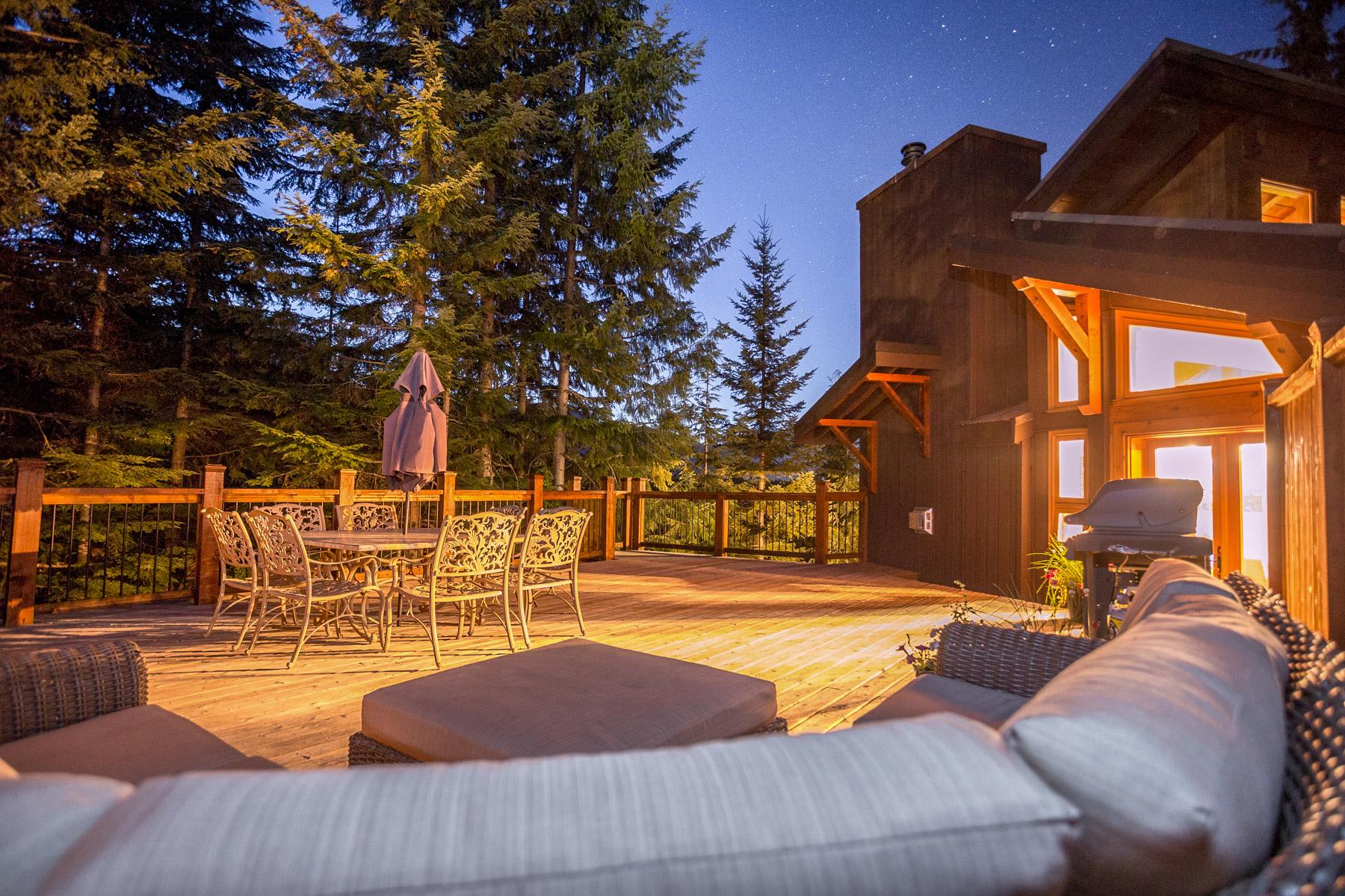 Aurora Lodge - Upper deck