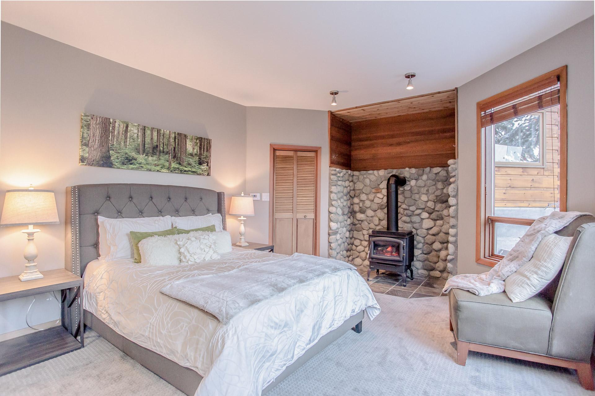 Copy of Aurora Lodge - Bedroom 7