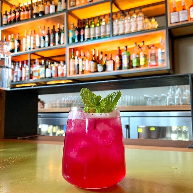 After that #GameOfThrones episode, we need a #cocktail. 😶 The beautiful (and absolutely #delicious) #cicciolina from @amanosf did just the trick! . . . . . . . #monday #GOT #bar #drinks #drinks🍹 #aperitivo #restaurantbar #godoflight #anotherday #anotherround #onemore #addicted