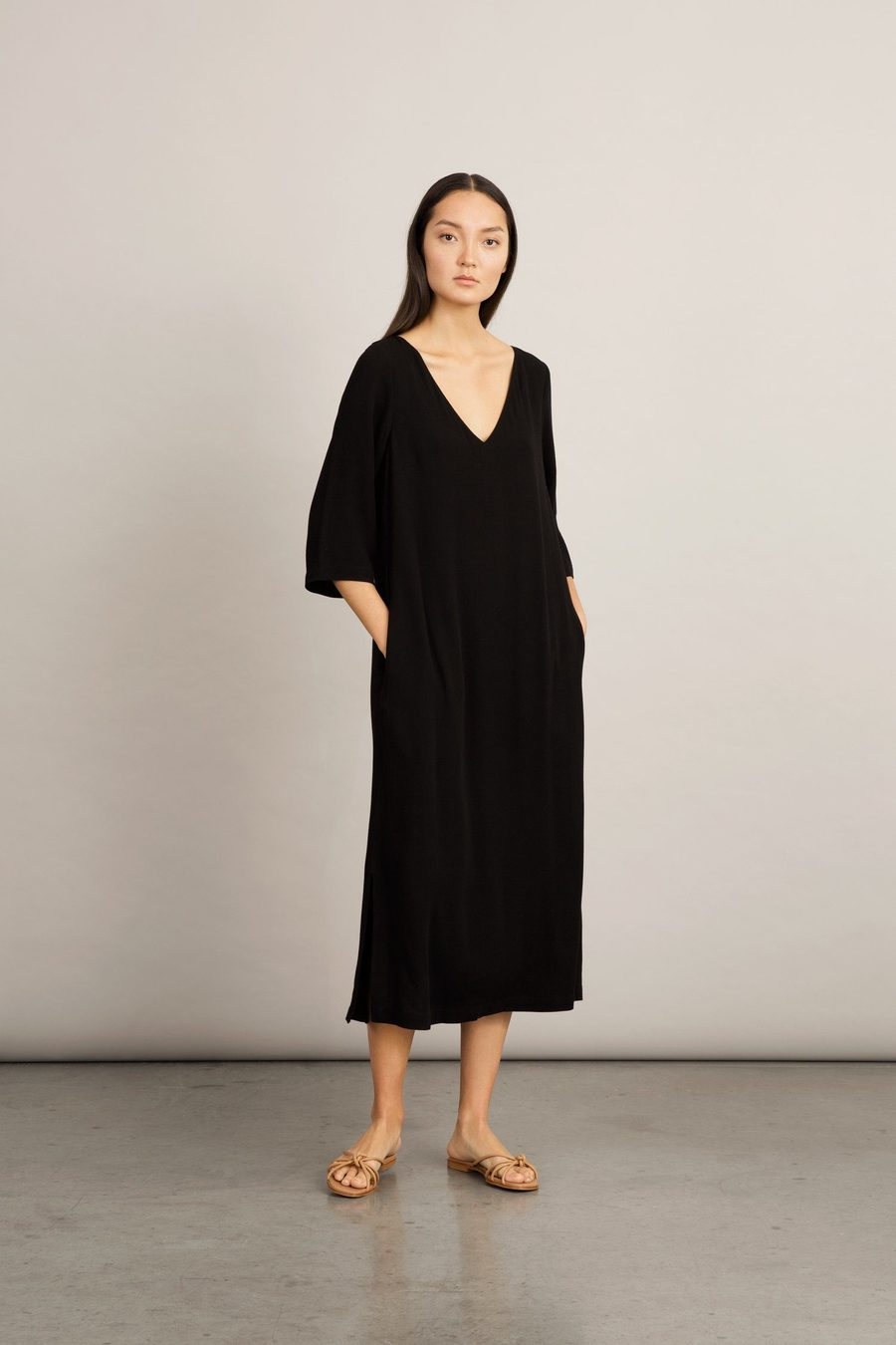 senna-dress-black-dress-stylein-625282_900x.jpg