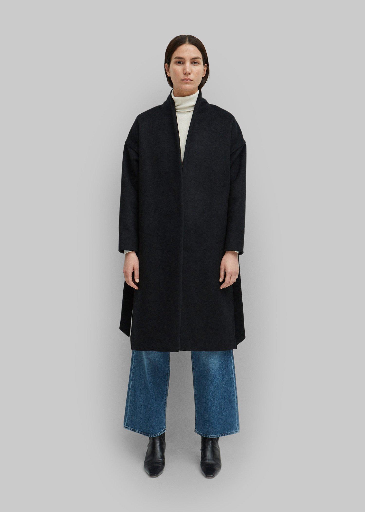 16_toteme_-fw19_chelsea_coat_black_061.jpg