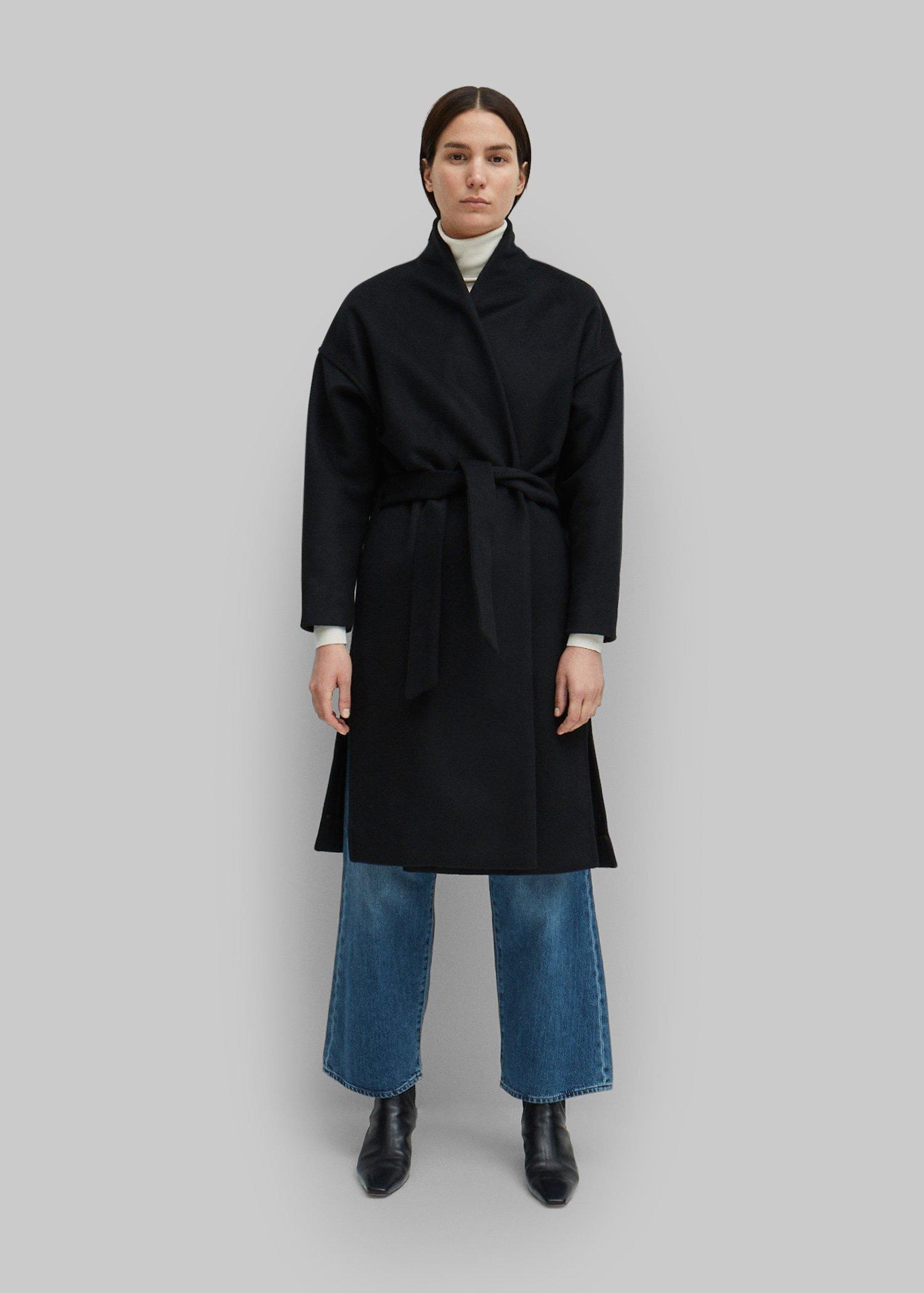 16_toteme_-fw19_chelsea_coat_black_001.jpg