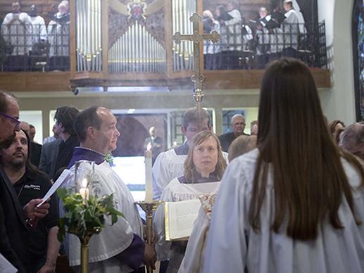 worship-517x388.jpg