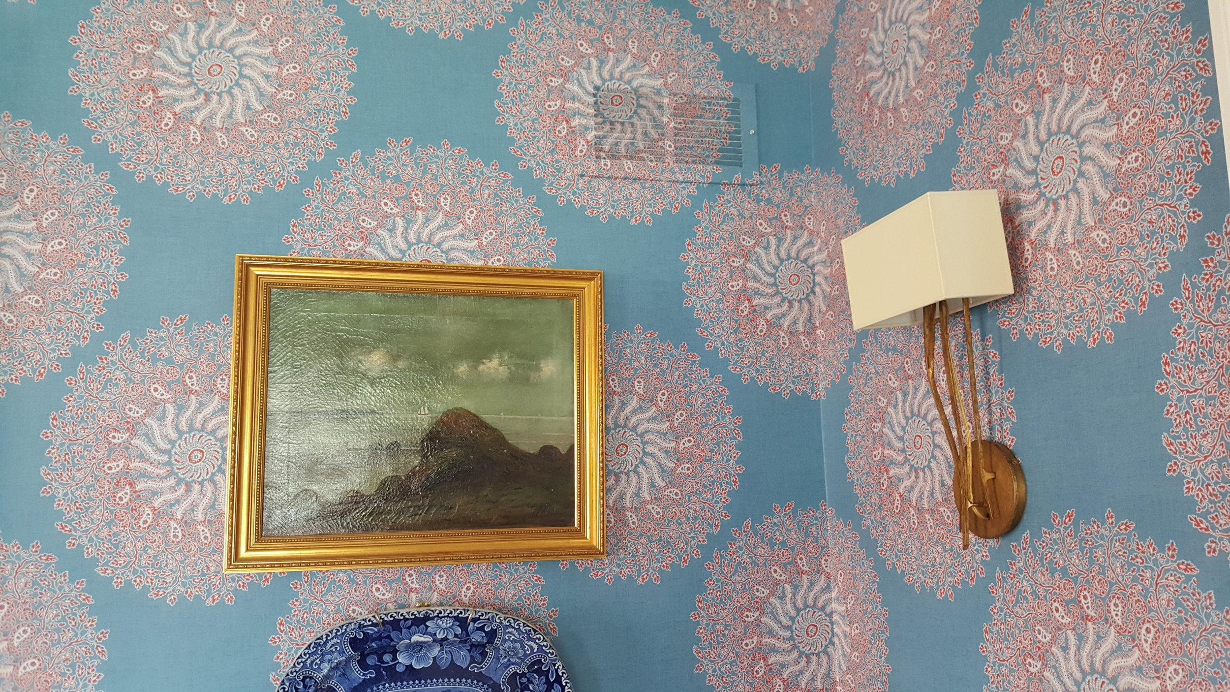 wallpaper blue.jpg