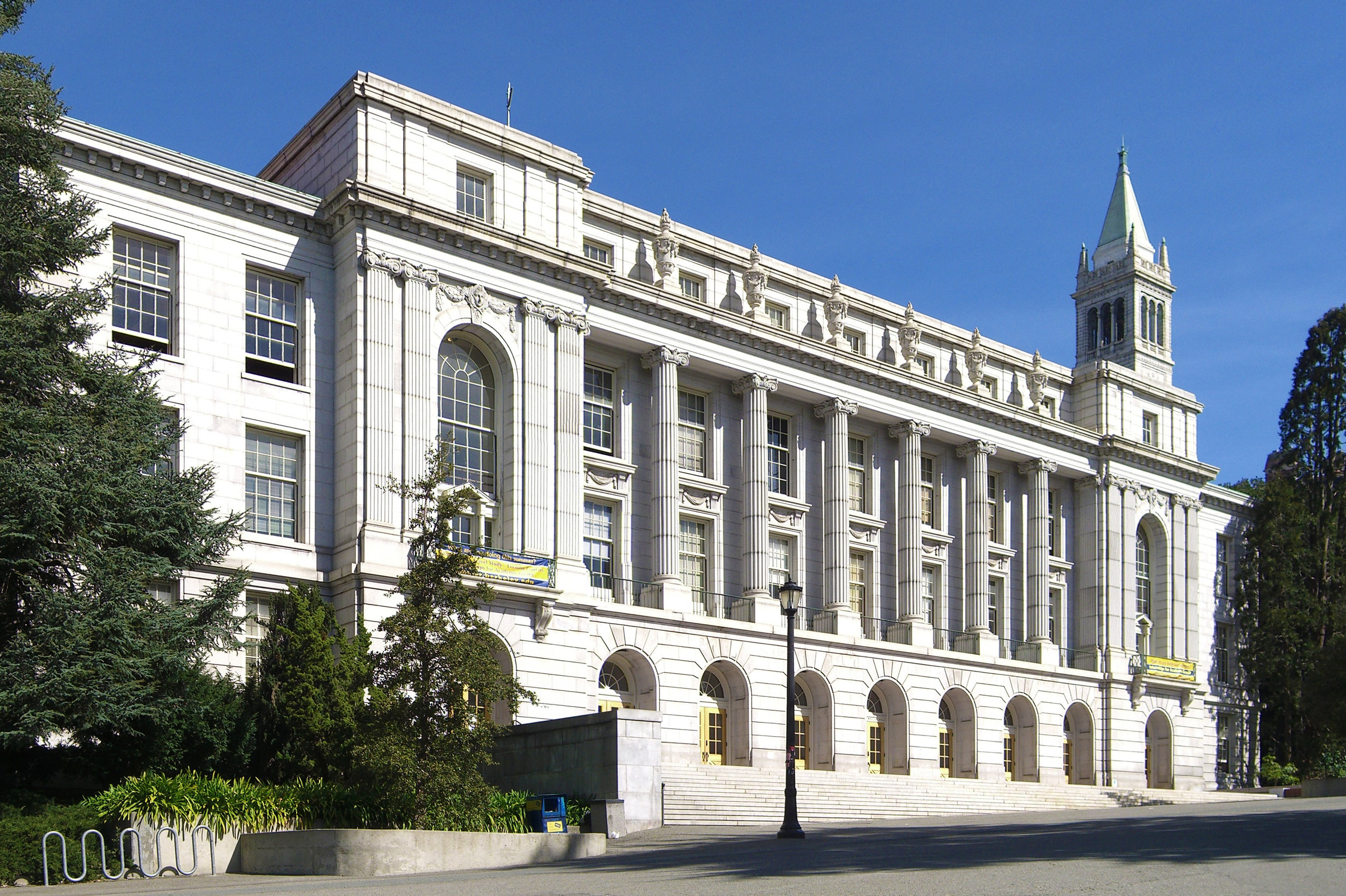 UC Berkeley - Berkeley, CA: Historic Wheeler Hall:  A 100-year-old classroom and office building was renovated with new HVAC and duct configurations. The spacious auditorium includes new vents above the ceiling that supply fresh air to the building..