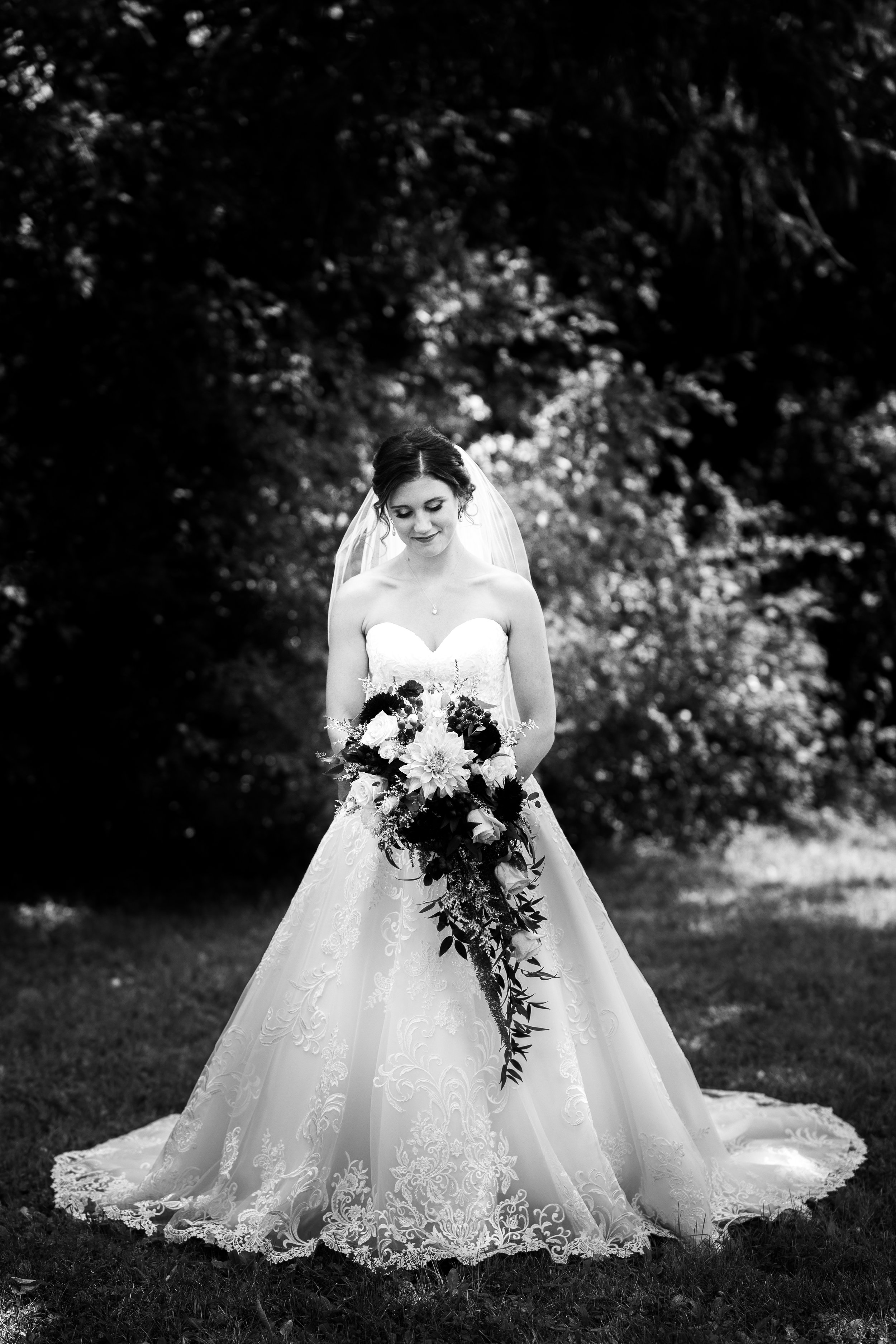 Black-White-BrideWedding-Jodie-Aldred-Photography-Chatham-Kent-Elgin-Middlesex-London-Ontario.JPG