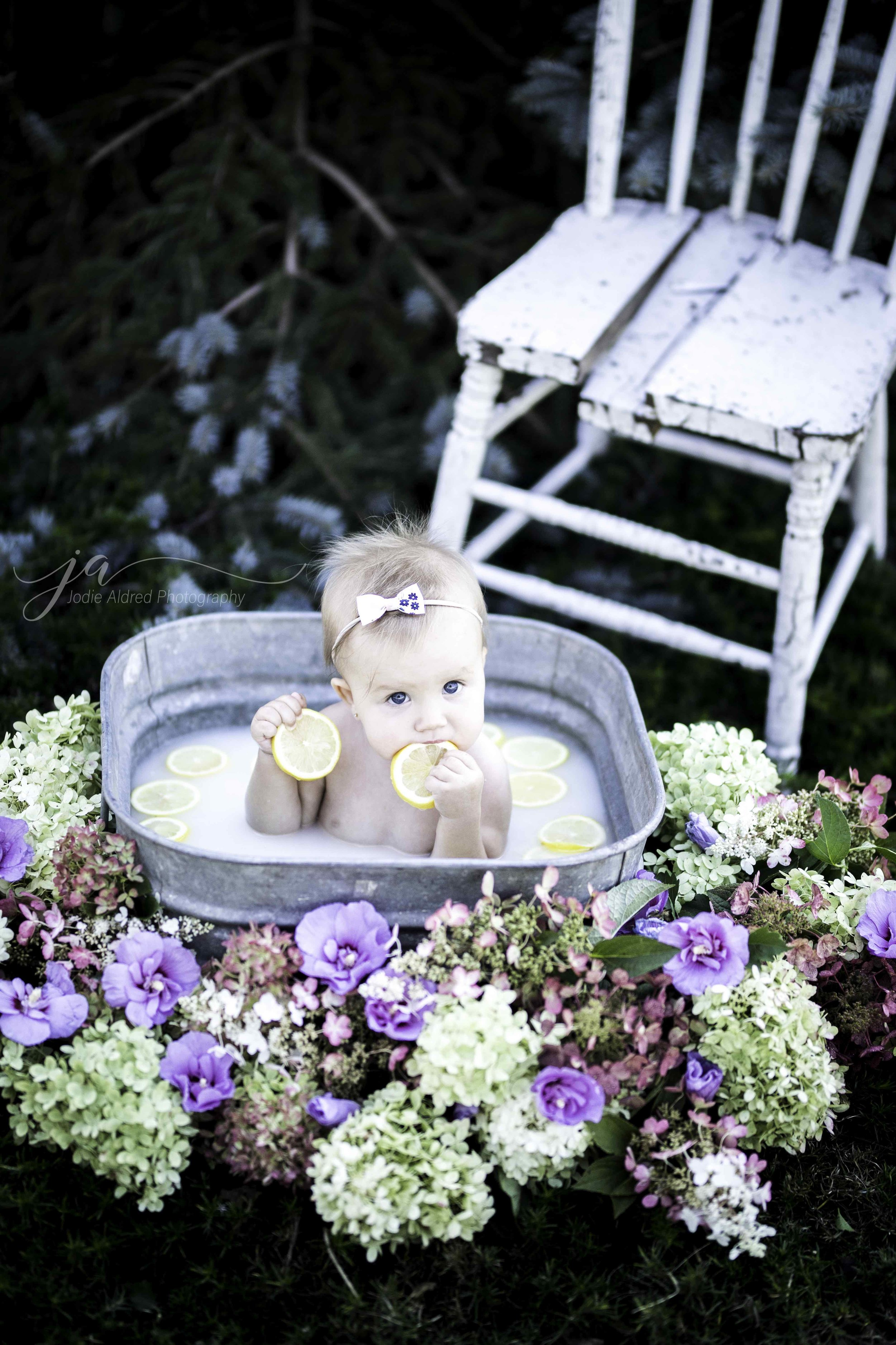 Jodie-Aldred-Photography-Chatham-Kent-Elgin-Middlesex-London-Ontario-Farm-Family-Baby.jpg