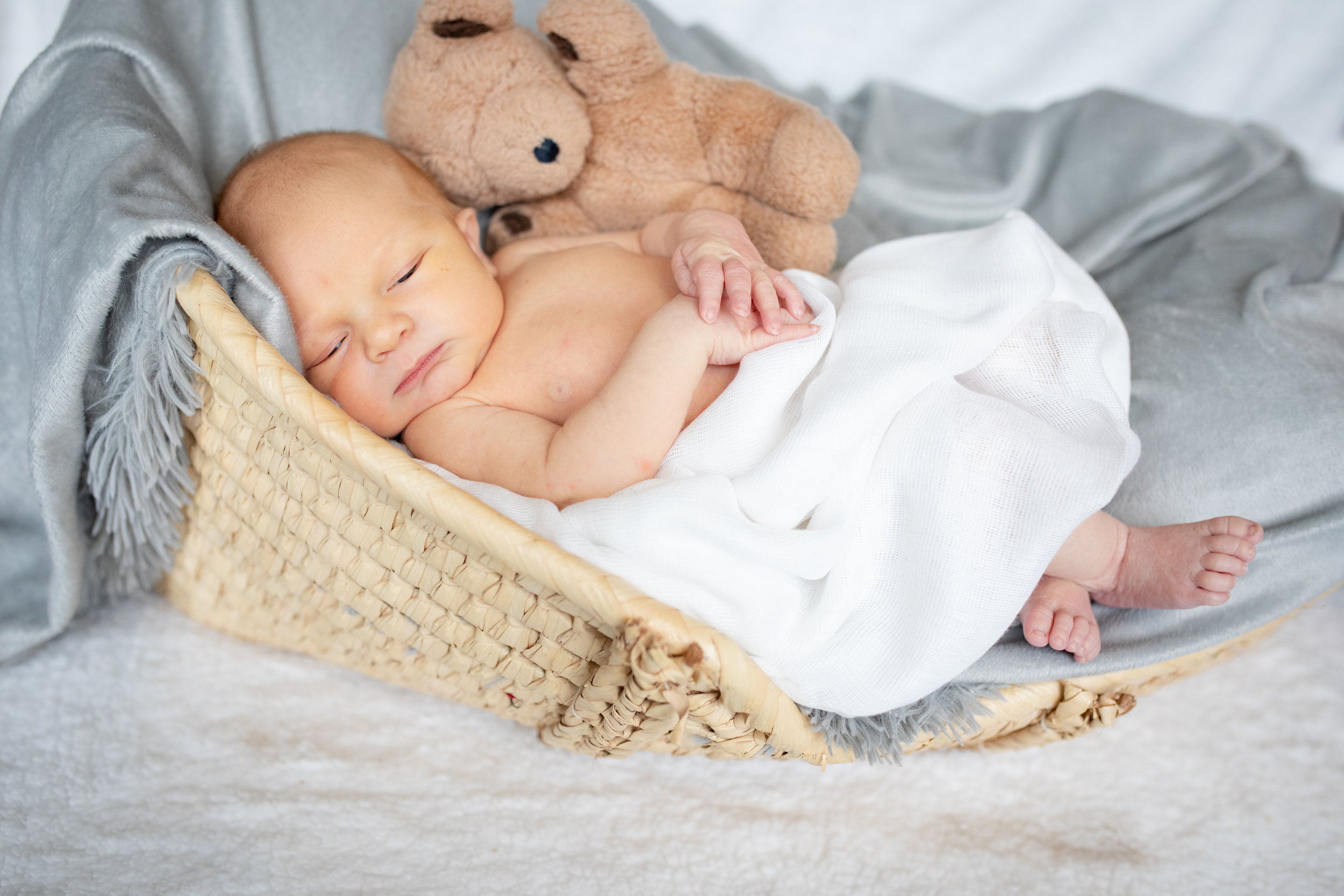 Newborn-London-Jodie-Aldred-Photography-Chatham-Middlesex-Lambton-Baby-family-parents-ontario.jpg
