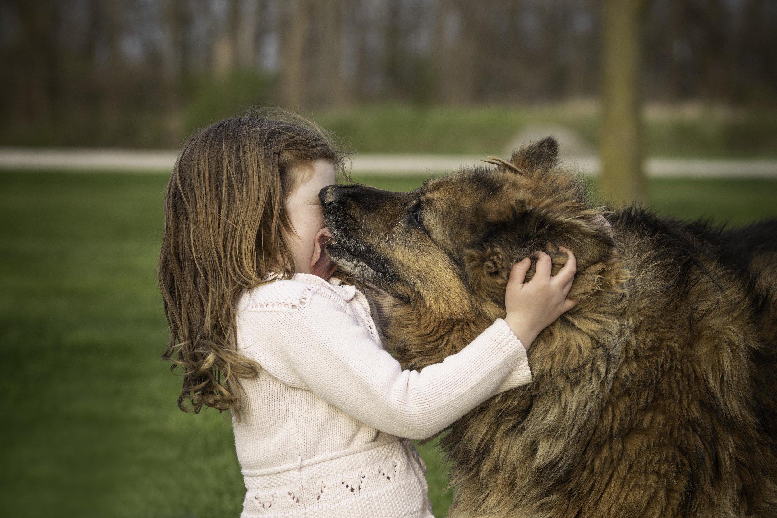 Family-Jodie-Aldred-Photography-Middlesex-london-Dutton-glencoe-ontario-chatham-huron-lambton-elgin-dog-girl.jpg