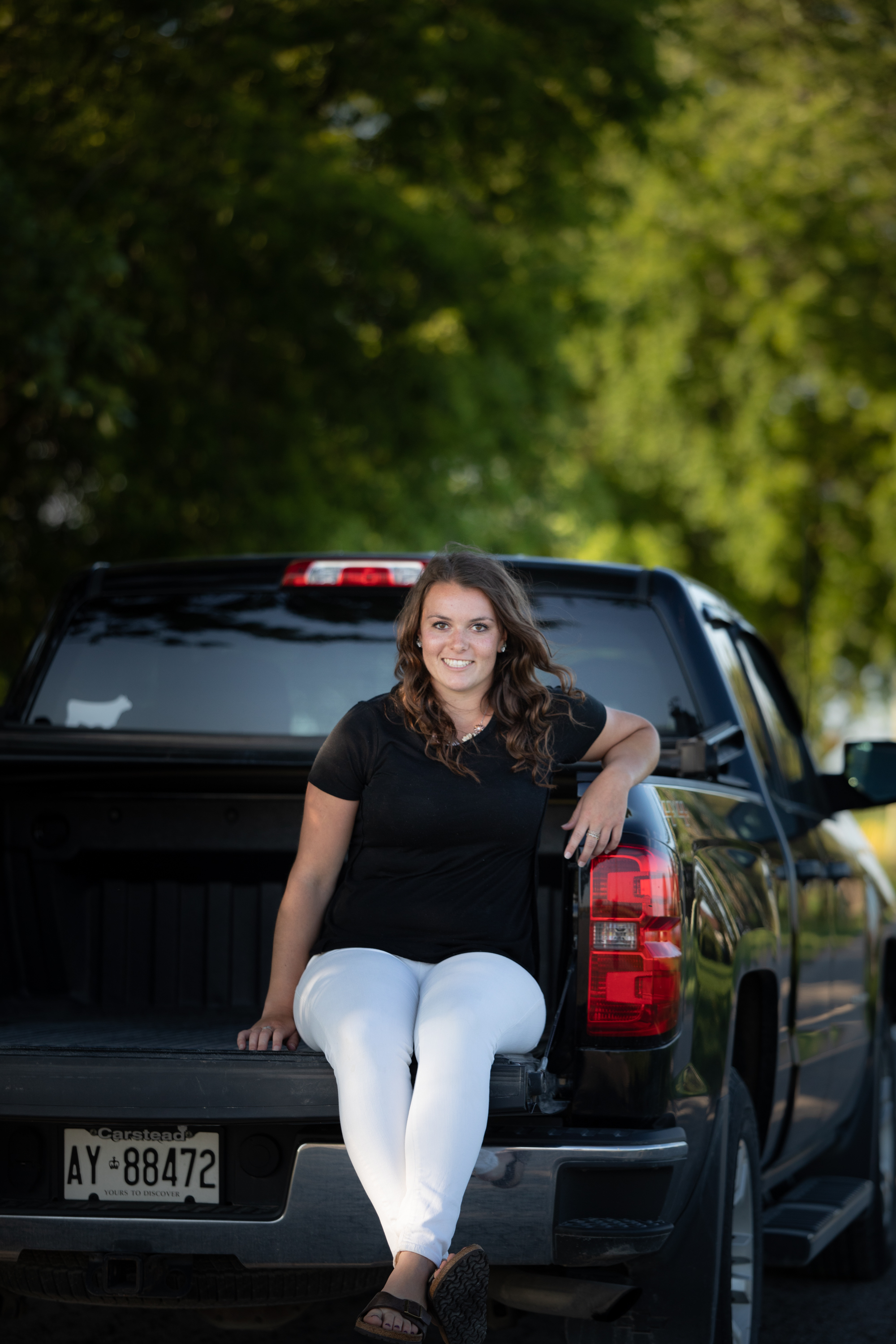 country-agricultural-photographer-Family-group-Jodie-Aldred-Photography-Elgin-Huron-Middlesex-Family-country-rural-London-Ontario-chevy-truck-farm-girl.jpg