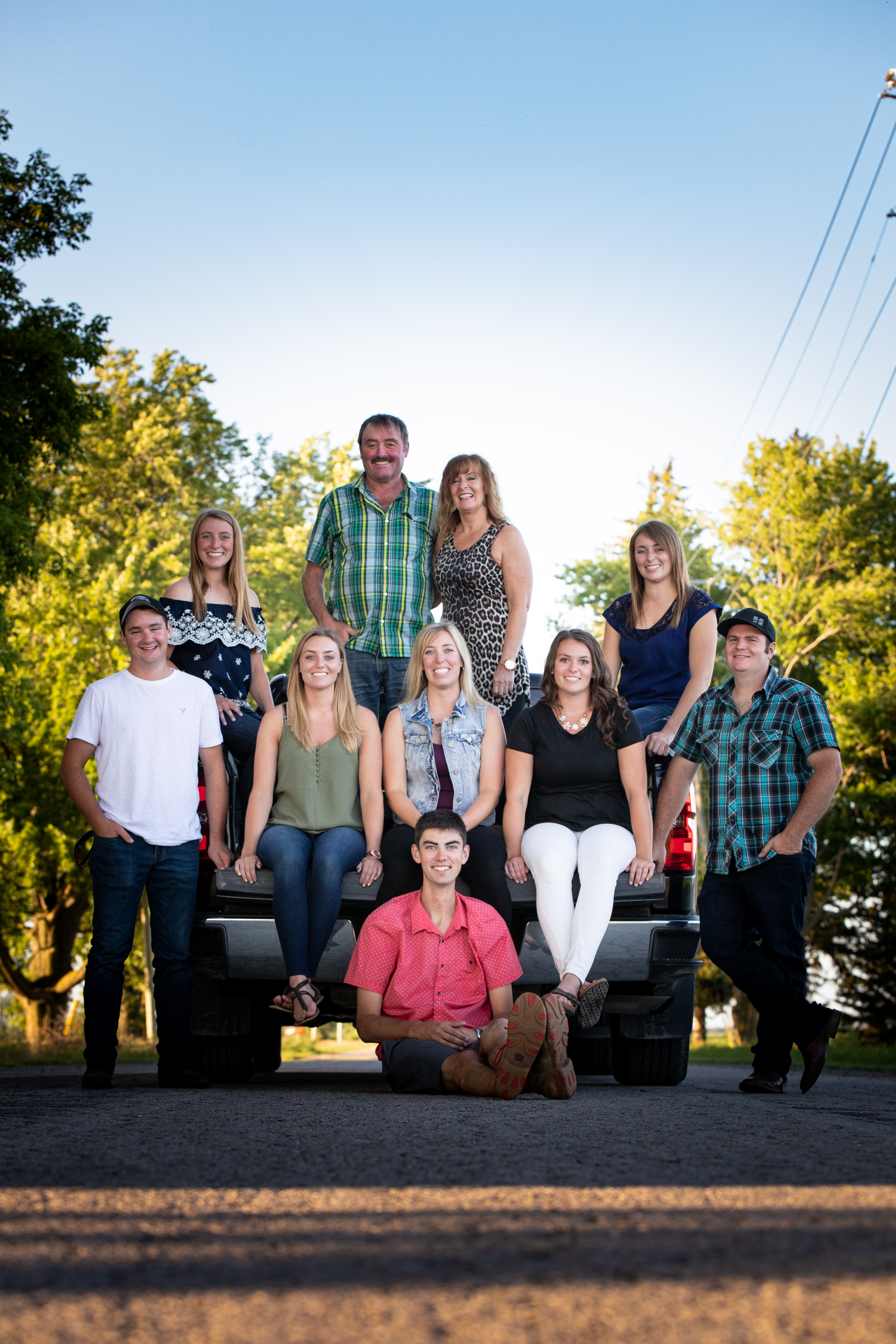 country-agricultural-photographer-Family-group-Jodie-Aldred-Photography-Elgin-Huron-Middlesex-Family-country-rural-London-Ontario-dirt-road-pickup-truck.jpg