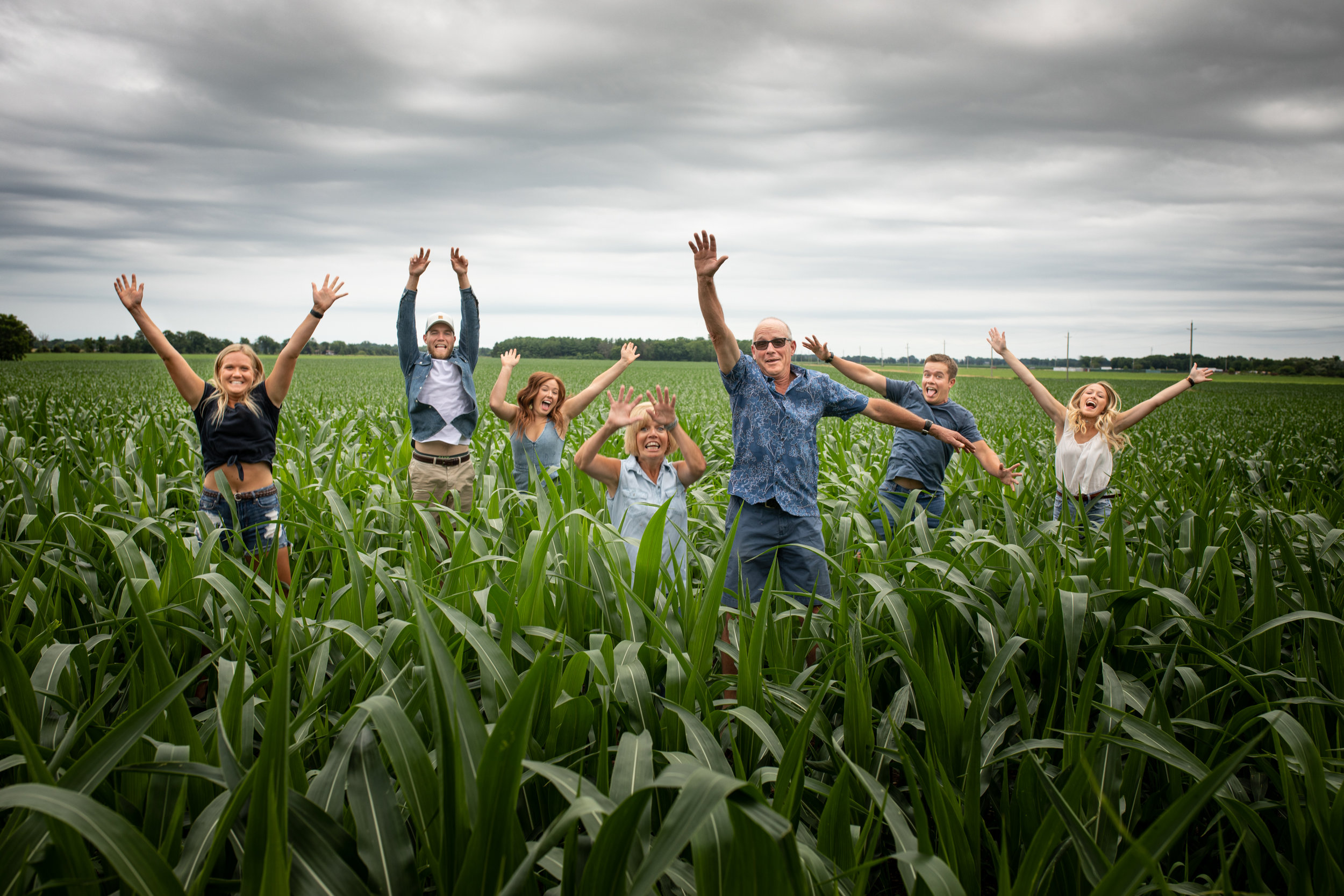 Family-agricultural-photographer-jodie-aldred-photography-rural-country-farm-farmers-ontario-london-huron-middlesex-elgin-chatham-elgin-rural-country-outdoors-corn.jpg