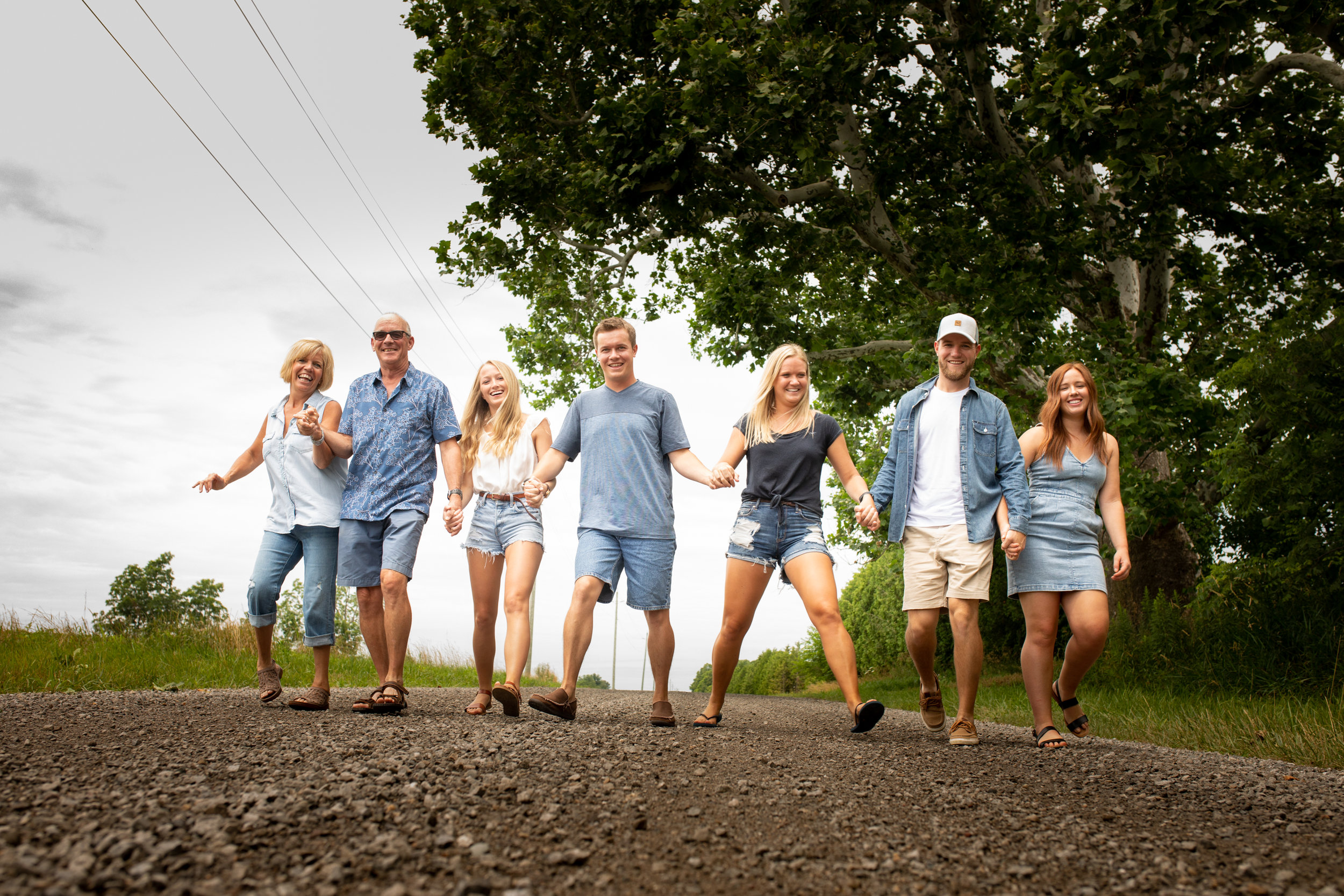 Family-agricultural-photographer-jodie-aldred-photography-rural-country-farm-farmers-ontario-london-huron-middlesex-elgin-chatham-elgin-rural-country-outdoors-summer-gravel-road.jpg