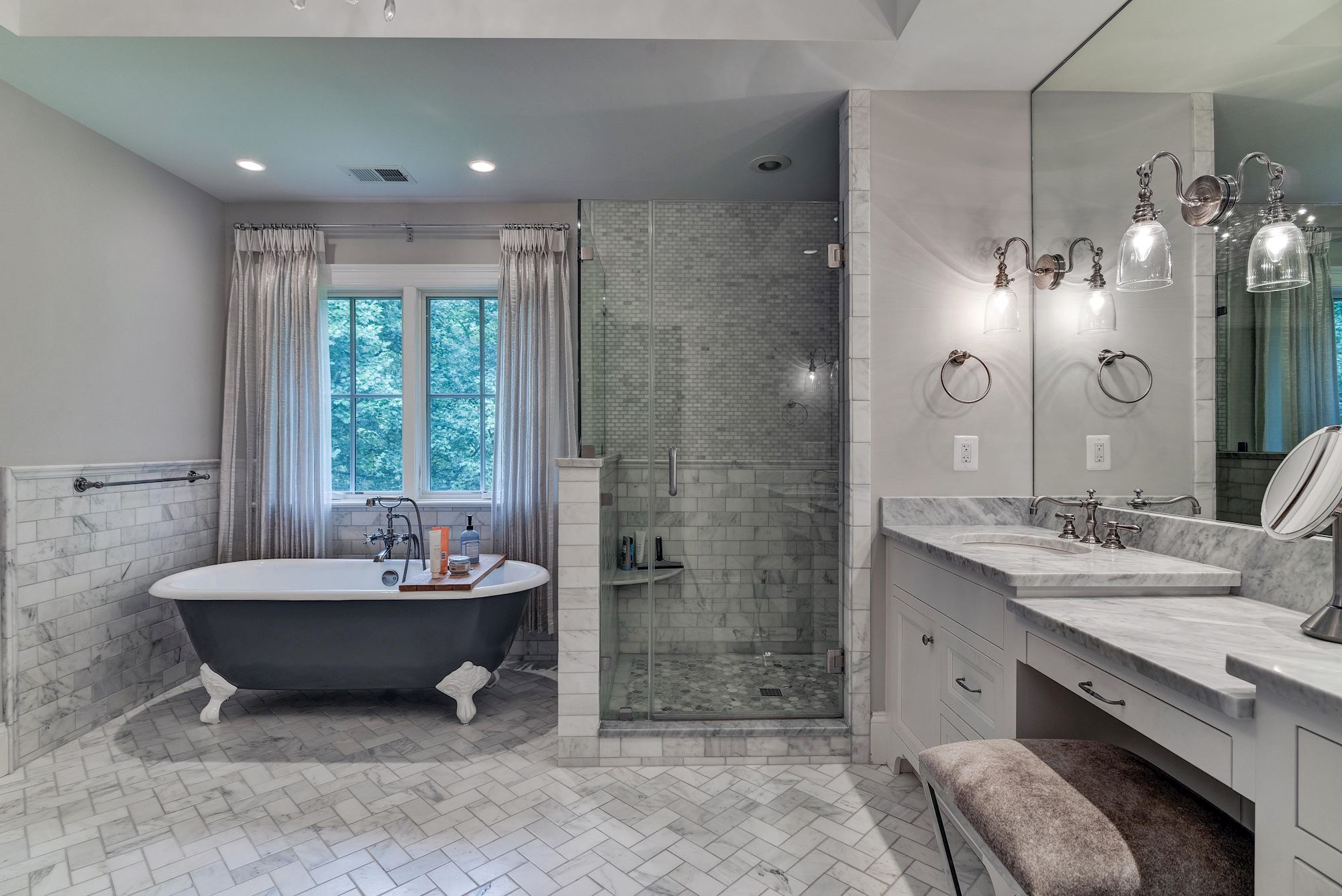 GREATJONES-35TH-MASTER-BATH-1.jpg