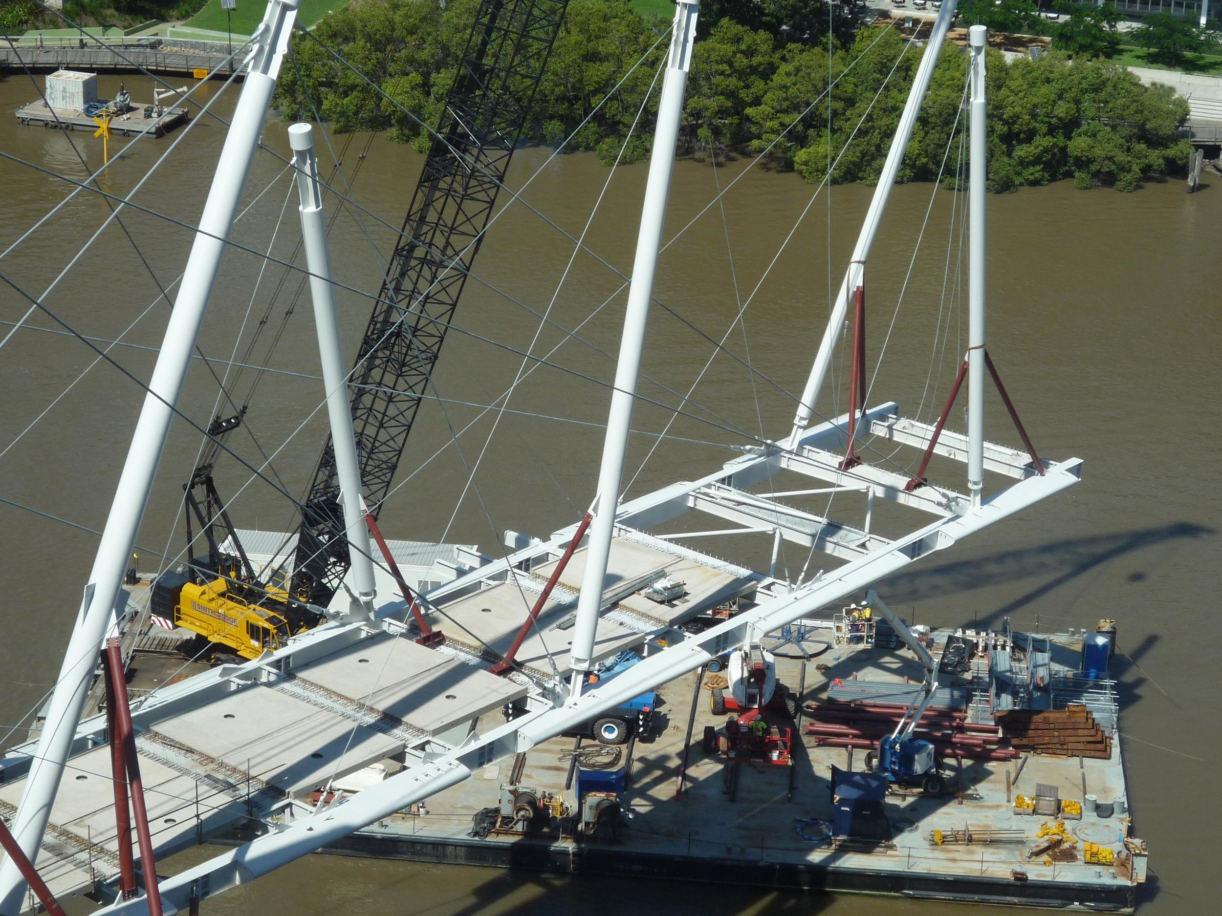 Kurilpa Bridge installation, Tank Street, Brisbane QLD
