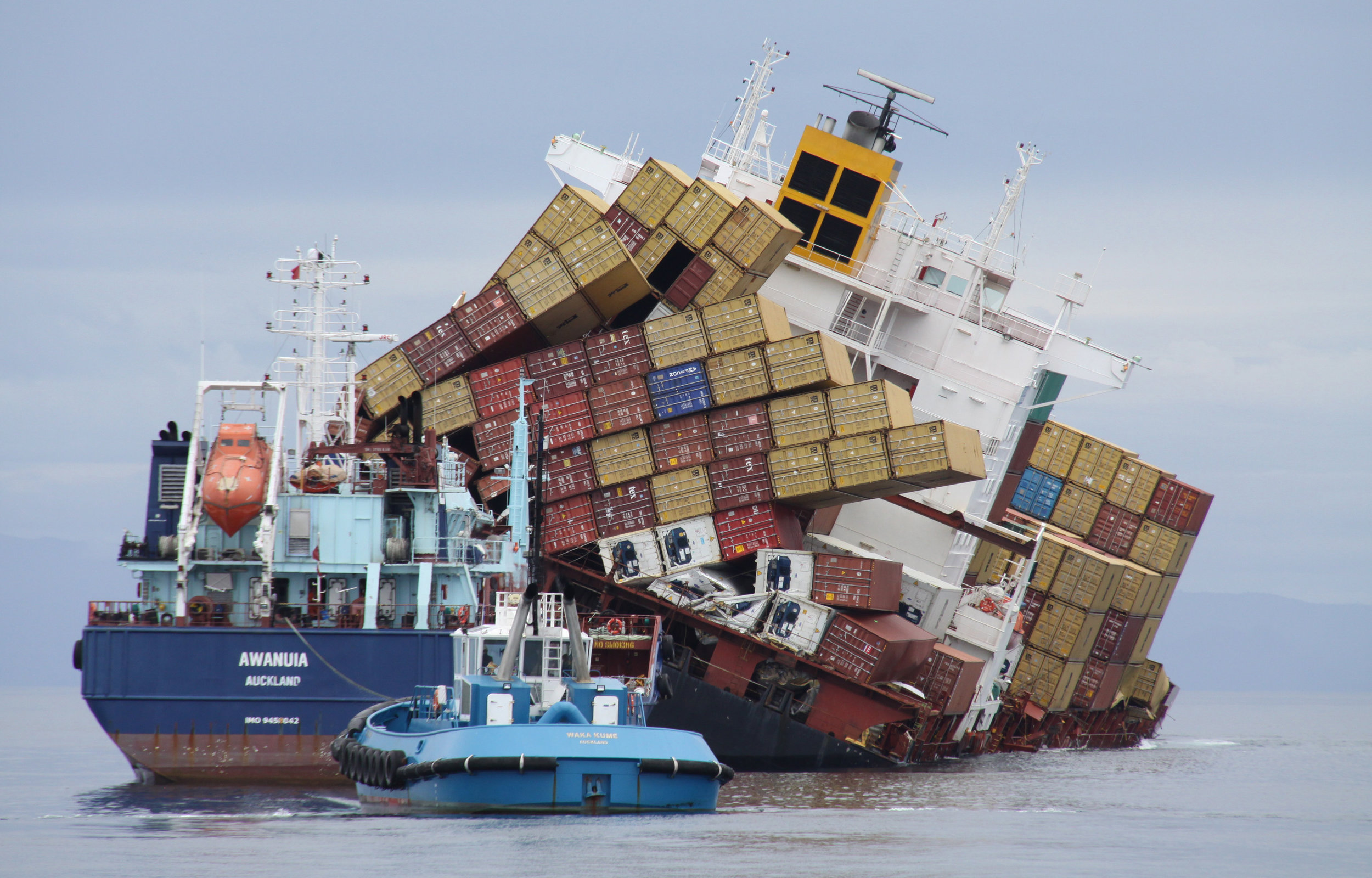 MV Rena was carrying over 1300 containers when she ran aground.   Image credit: Maritime New Zealand