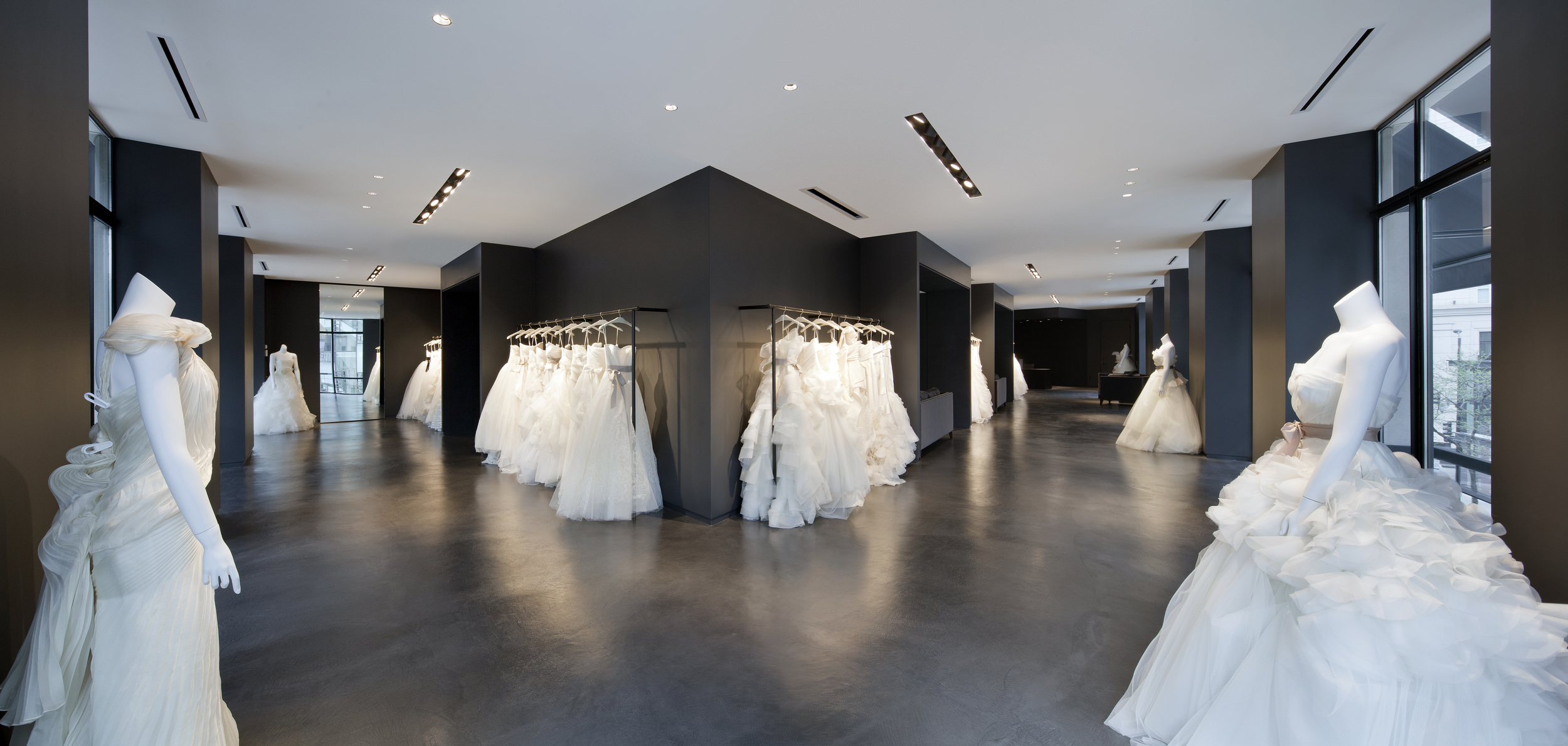 vera-wang-bridal-boutuque-chicago.jpg