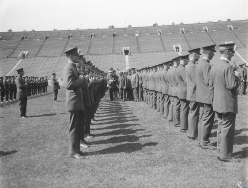 1927 - Inspection of Officers at l.a. coliseum   PHOTO COURTESY: LOS ANGELES PUBLIC LIBRARY