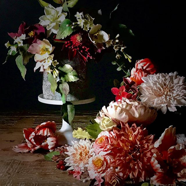 What an honor it is to have the genius @deborahjaffe photographing my work. We have the most amazing creative chemistry together. It's a dream come true! ... #gumpasteflowers #cakedecorating #sugarart  #sugardahlia #sugarpeony #sugarroses #artismagic