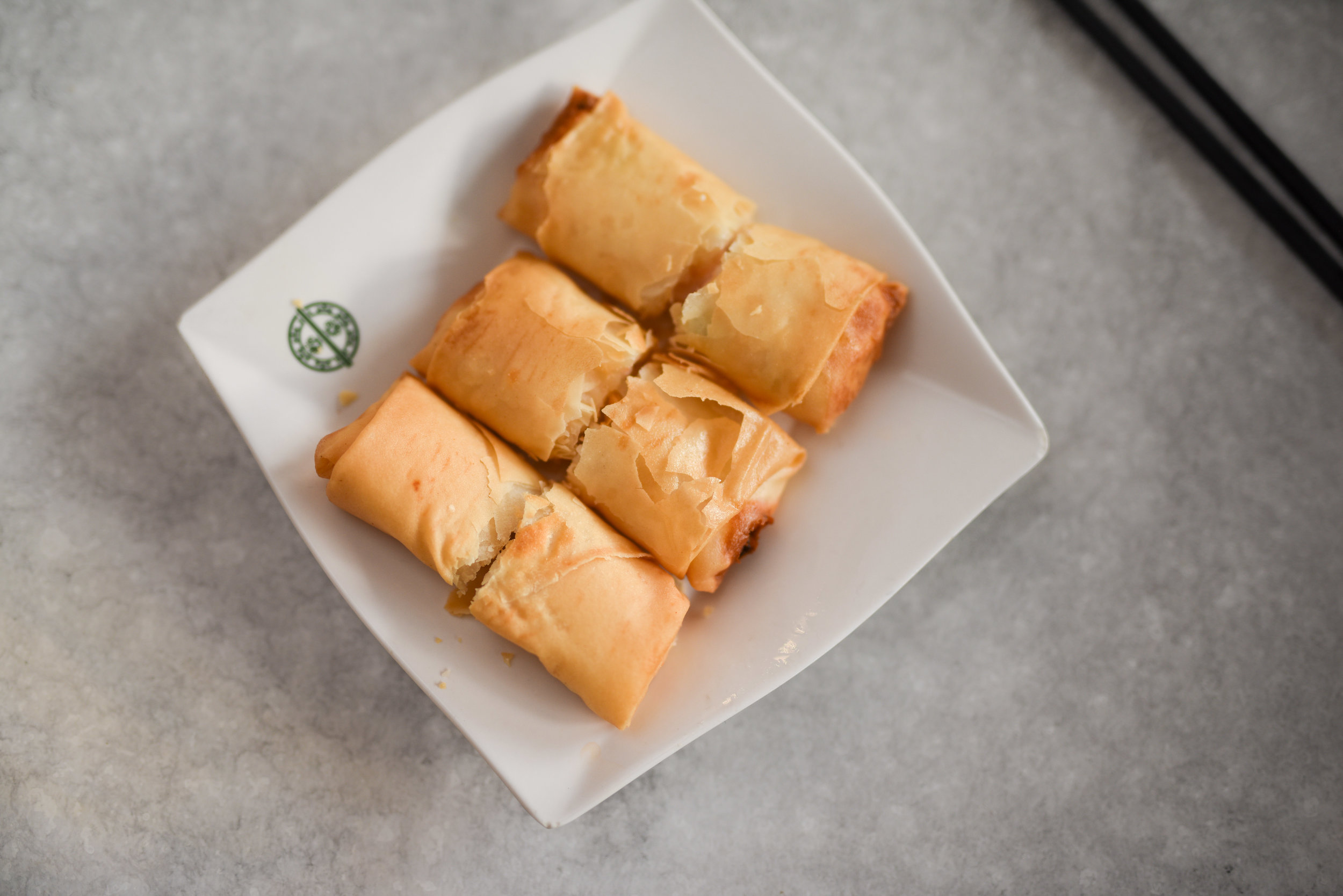 SPRING ROLL WITH EGG WHITE $6.00 (3pcs)