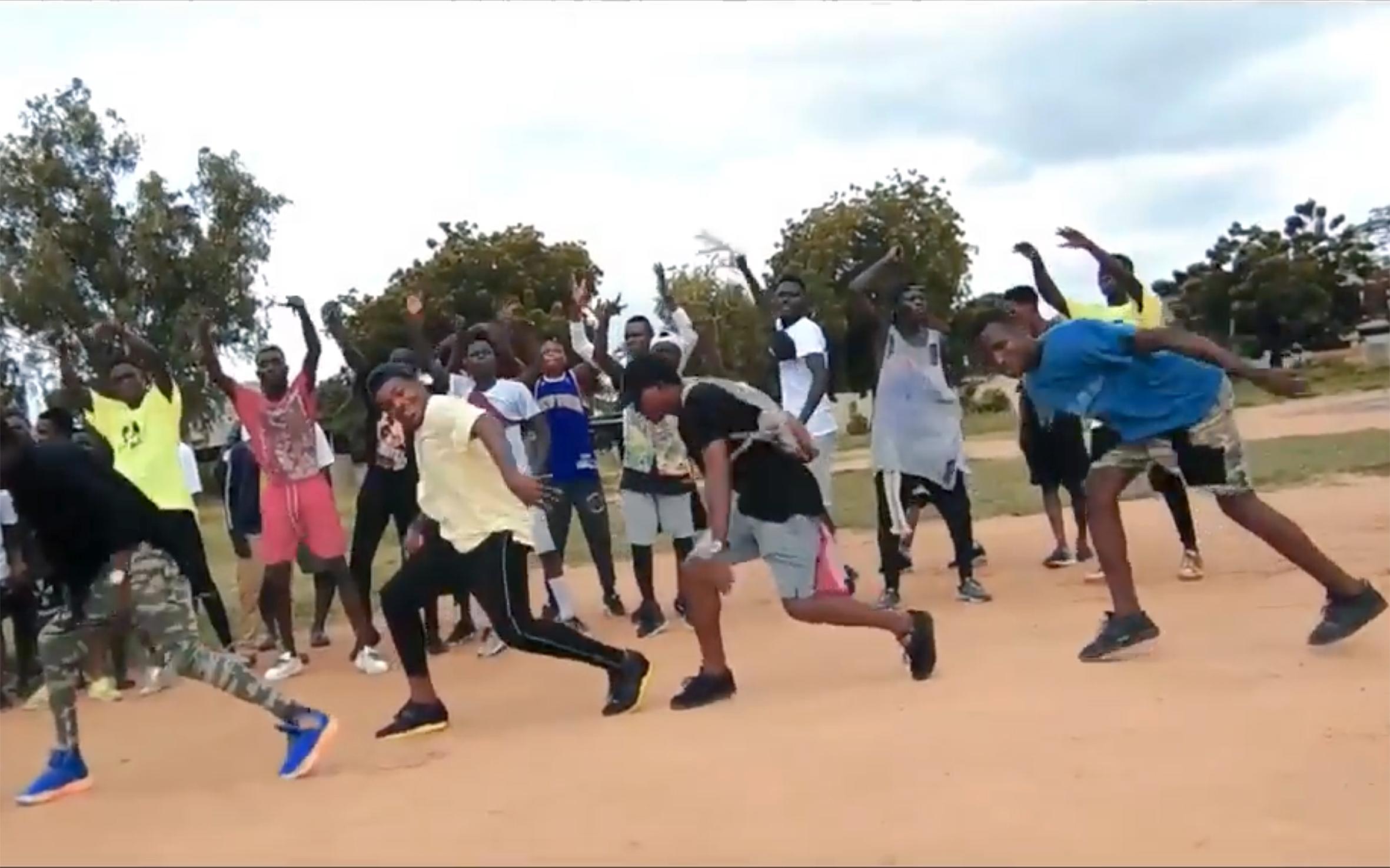20.Aku Shaku / Togo - Aku Shaku is an afro urban dance born in Togo.