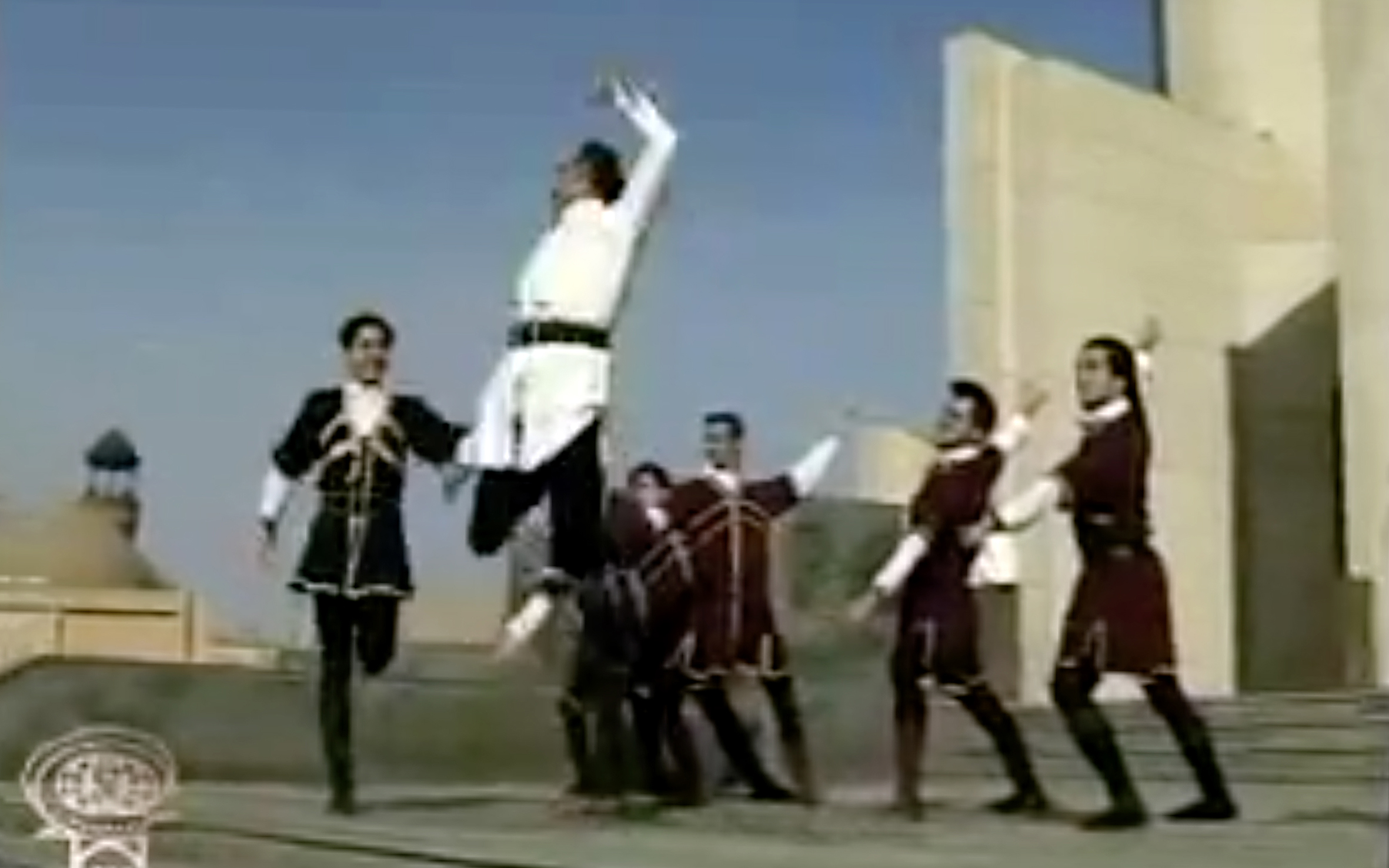 50.Azari / Iran - Azari performed by the Azerbaijani people of Azerbaijan and Iranian Azerbaijan in north west of Iran. These dances feature quick tempo, but also sometimes very delicate movements of hands, and steps.