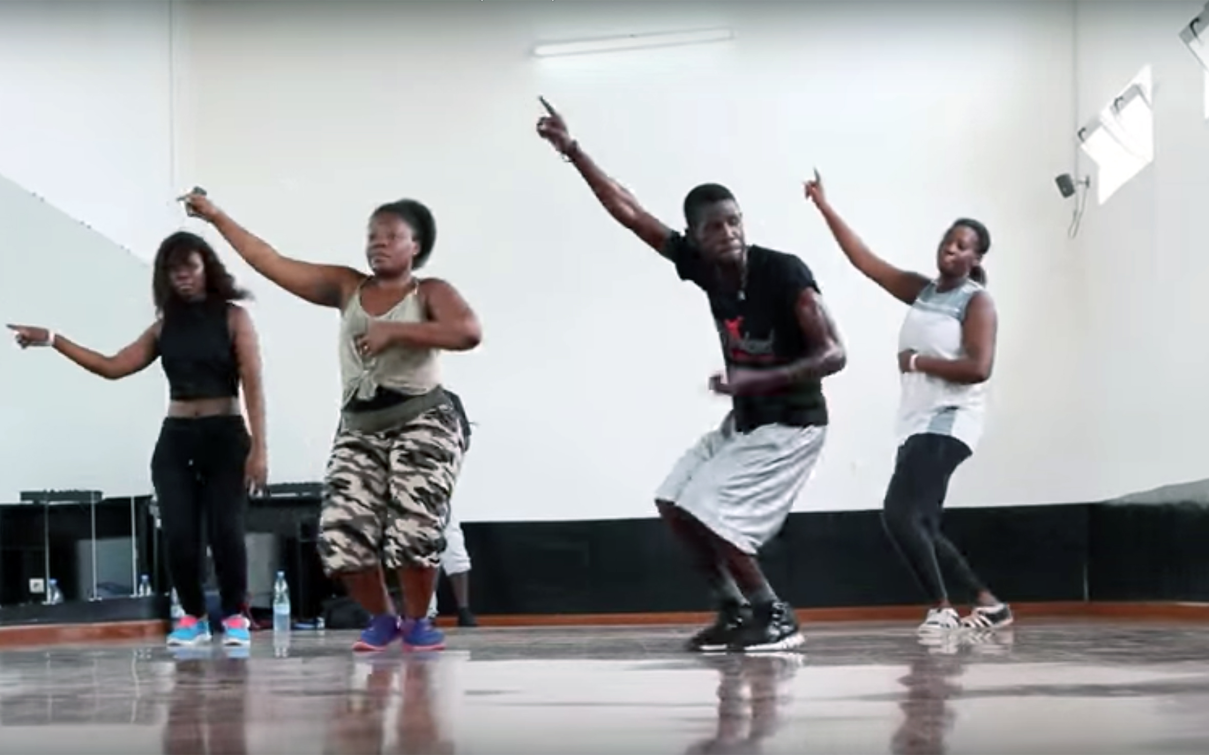 497.Kool Kache / Togo - Kool Kache is an afro urban dance born in Togo.