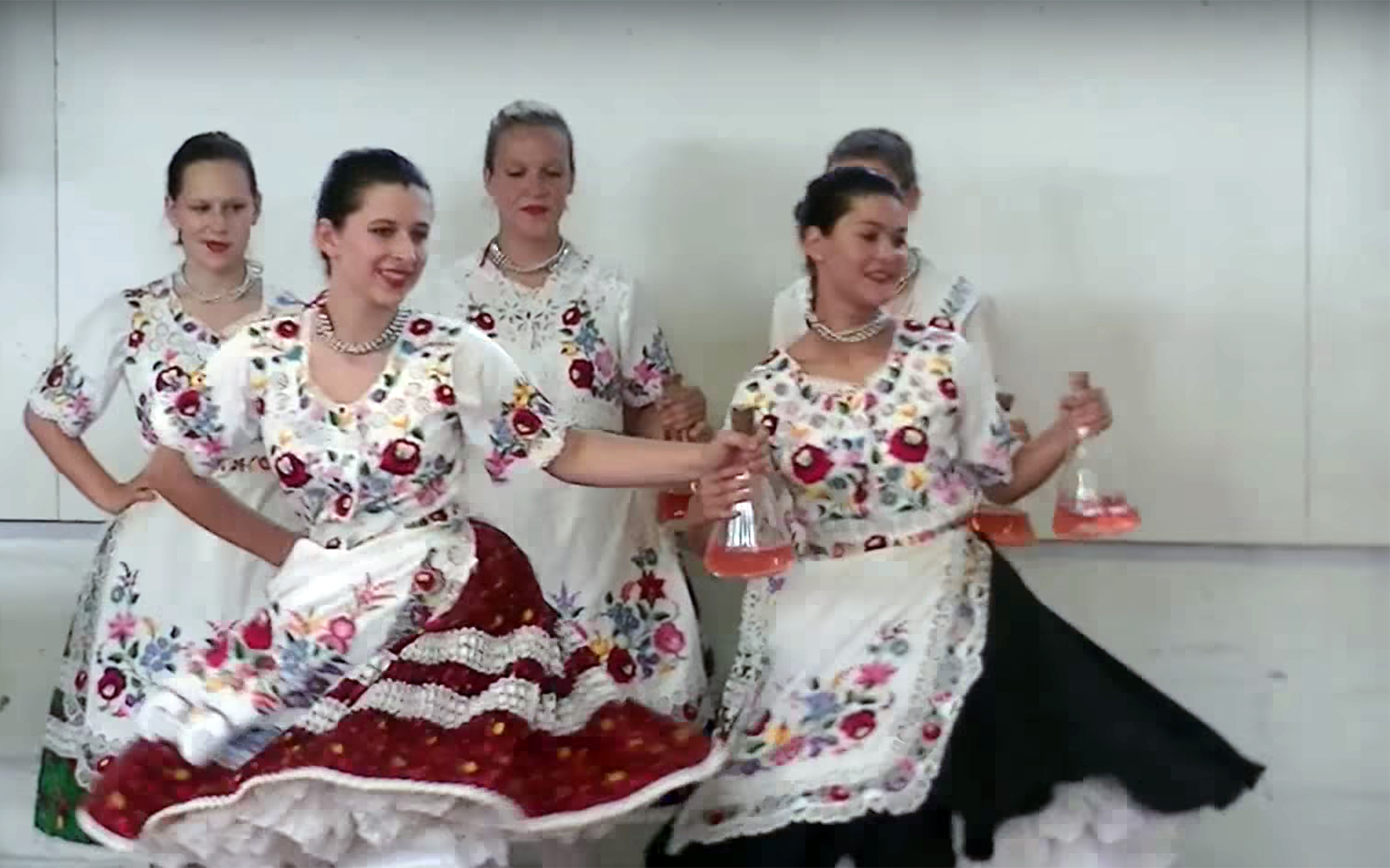 934.Üveges / Hungary - Üveges is a Hungarian Folk Dance, a Bottle dance, performed, especially at weddings, by the cooks.