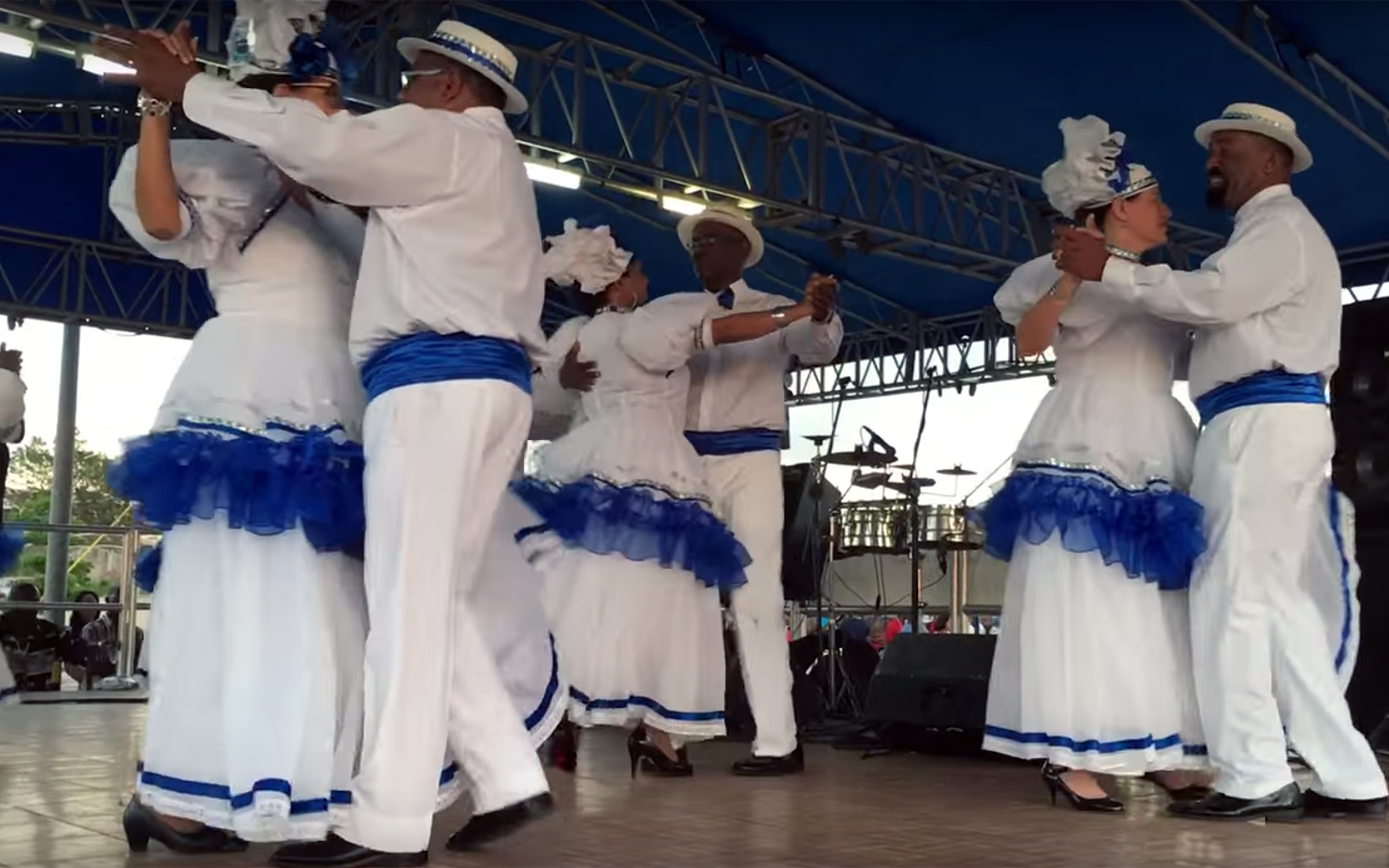 959.Wals Kurasoleño / Curaçao - Wals Kurasoleño is a Curaçaoan Waltz, brought in the first part of the 19th century by the Dutch colonists to the island of Curaçao. First it was meant as a societal dance with slaves just looking at it, but soon it spread all around the island and it started to be danced everywhere. With time Africa beats were superimposed on the original rhythm, producing distinctive style in both music and the dance. Wals Kurasoleño is still popular on the island.