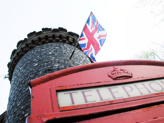 An 'expat' guide to Living and working in the UK