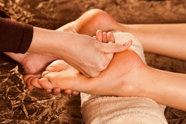 Traditionele-voetmassage-thai.jpg