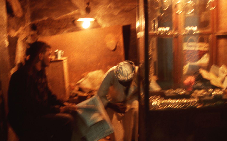 Aswan |Egypt |Souk |Streetphotography |Souk at night |Light |Men in shop |©sandrine cohen