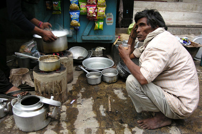 Kolkata - Calcutta   Indian street food   Chai in the street   Indian tea   ©sandrine cohen