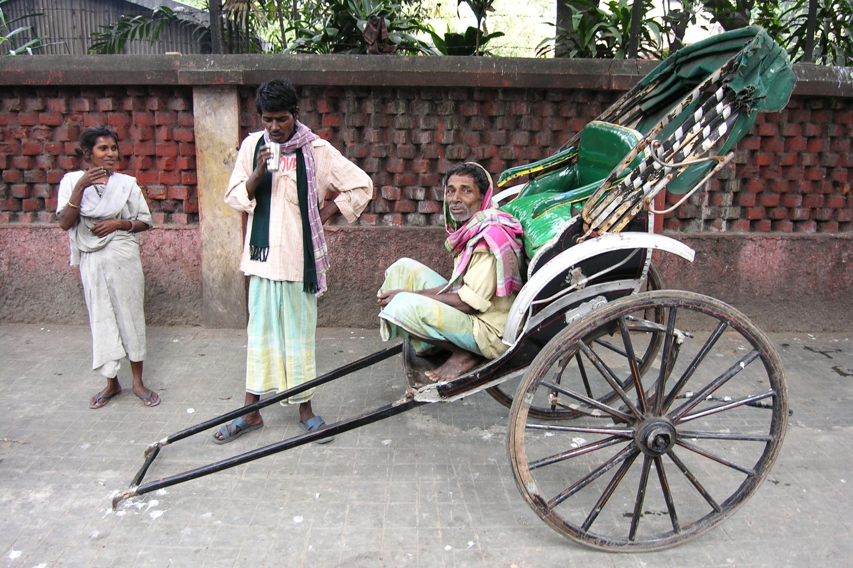 Kolkata - Calcutta   Homeless and rickshawala   ©sandrine cohen