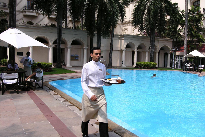 Kolkata - Calcutta   Oberoi Hotel   The Oberoi Grand Kolkata   Swimming pool at Oberoi Hotel   ©sandrine cohen