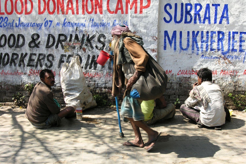 Kolkata - Calcutta   Homeless   homeless eating   ©sandrine cohen