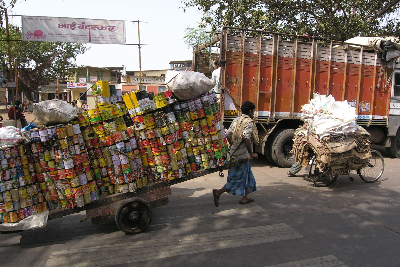 Mumbai - Bombay | India | Slum in Mumbai | Recovery of canned goods | ©sandrine cohen