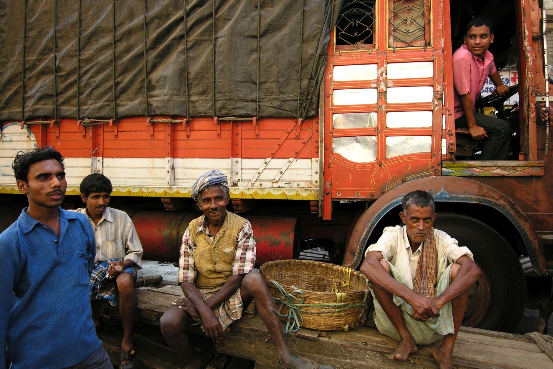 Mumbai - Bombay | Kalbadevi | Coolies in Mumbai | ©sandrine cohen
