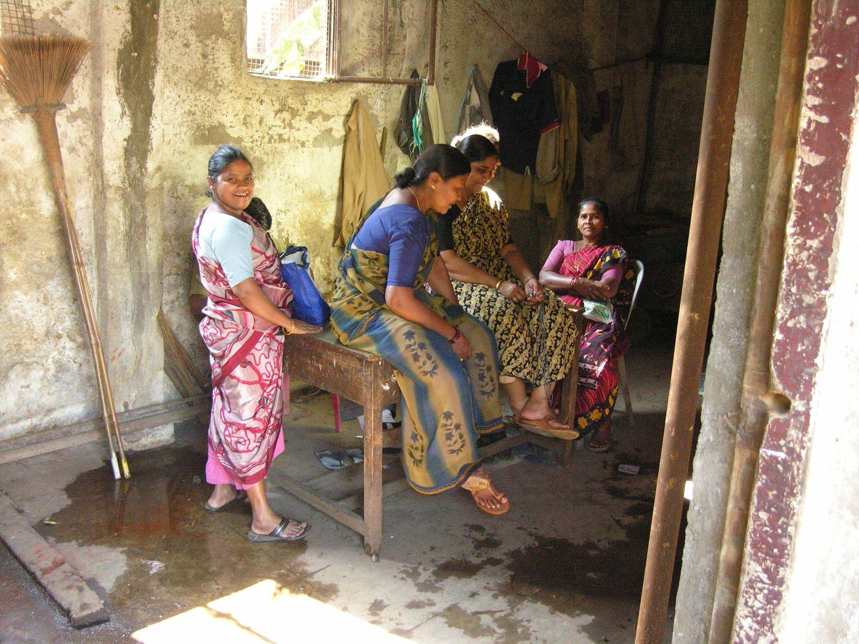 Mumbai - Bombay | Women cleaning Churchgate Station | Indian women cleaning | ©sandrine cohen