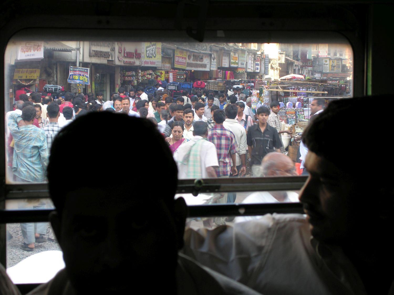 Mumbai - Bombay | On the bus in Mumbai | Kalbadevi | ©sandrine cohen