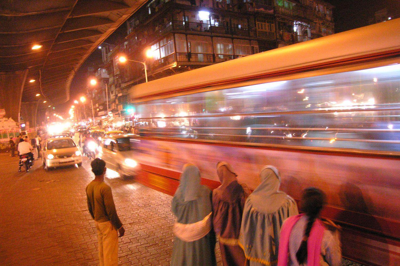 Mumbai - Bombay | Traffic in Mumbai | Bus on Mohamed Ali road | ©sandrine cohen
