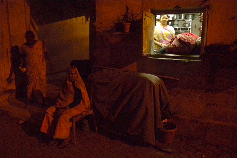 Mumbai - Bombay | Indian women in the night | Women mumbaikars | ©sandrine cohen