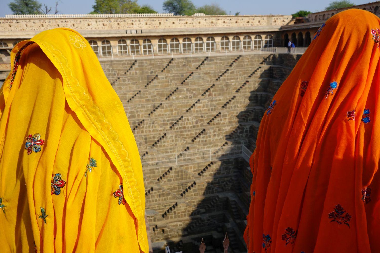 Abaneri | Baori Abhaneri | Women with sari yellow and orange | Rajasthan | Chand Bawri, Step Well Abhaneri | ©sandrine cohen