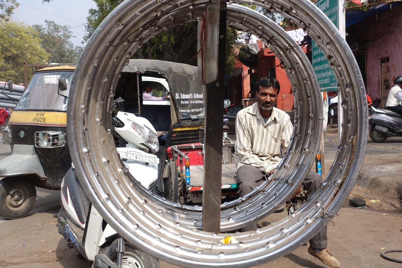 Jaipur | Rajasthan | Indian portrait through wheels | ©sandrine cohen