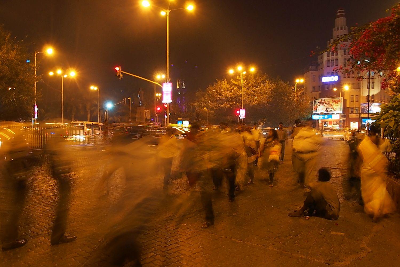 Mumbai - Bombay | Eros cinema | homeless in Mumbai | ©sandrine cohen