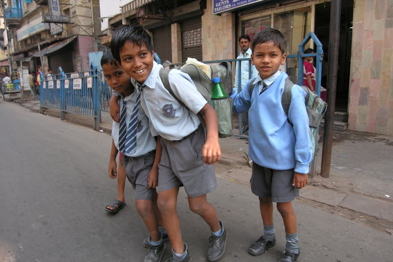 Kolkata - Calcutta   Boys go to school   ©sandrine cohen