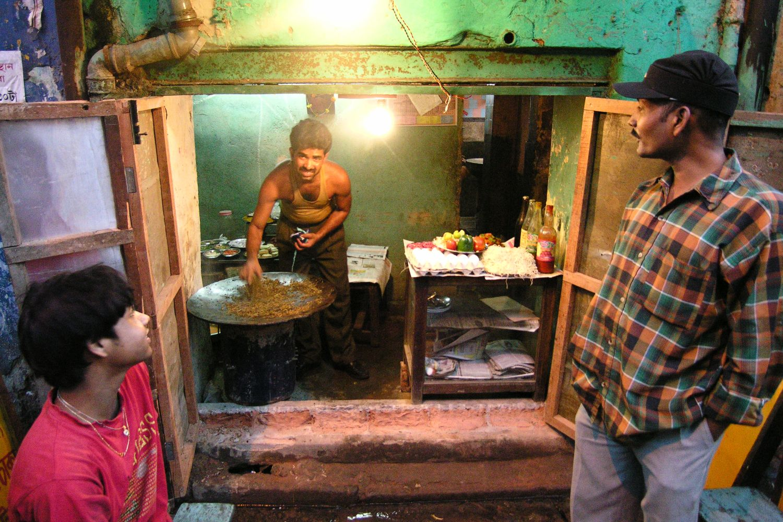 Kolkata - Calcutta   Indian street food   Street food shop   ©sandrine cohen