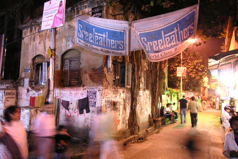 Kolkata - Calcutta   Street lights   streetphotography sandrine cohen